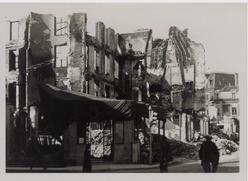 anonyme (photographe) : Maisons en ruines à Vernon