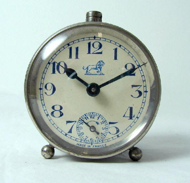 BAYARD, VILLON Albert (horloger), VILLON Albert (horloger), VILLON-DESSIAUX (manufacture), VILLON, DUVERDREY & BLOQUEL (manufacture) : réveil (à mouvement mécanique)