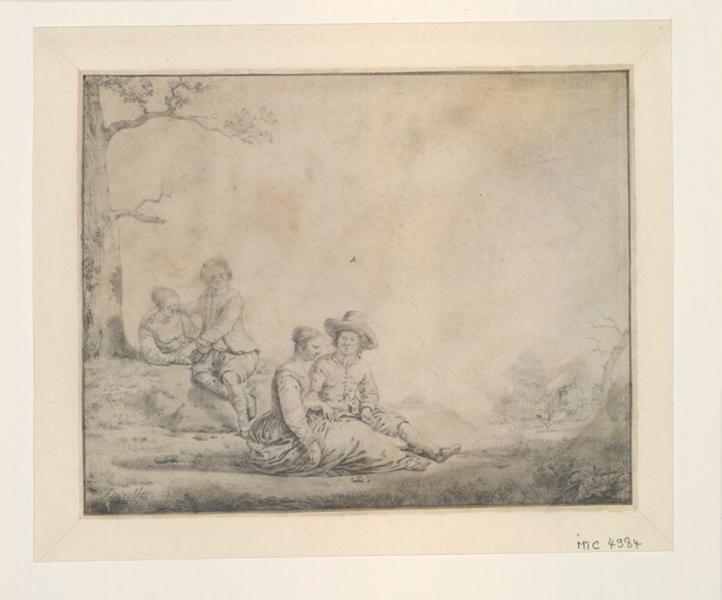 Deux couples d'amoureux assis en campagne_0