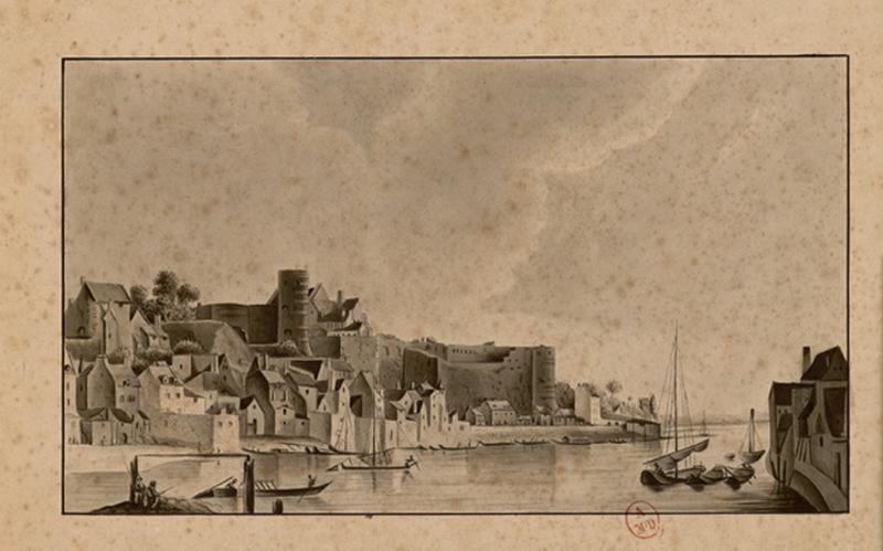 BERTHON René (dessinateur) : Le château et son environnement depuis l'amont rive droite, Le château d'Angers (Titre d'A. Recouvreur)
