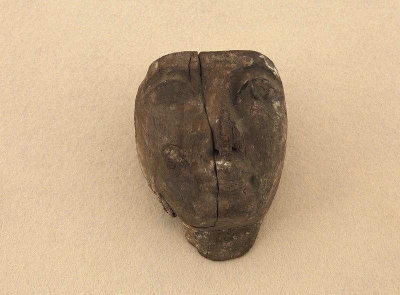 masque (élément), cercueil