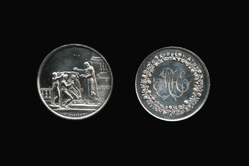 Médaille personnalisée célébrant le rite chrétien du mariage_0