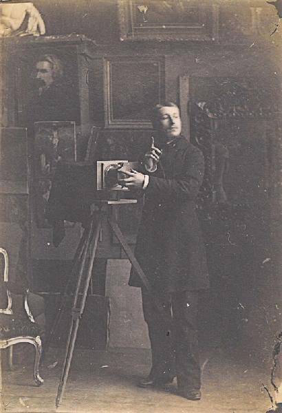 Paul Michel dans l'atelier de son père_0