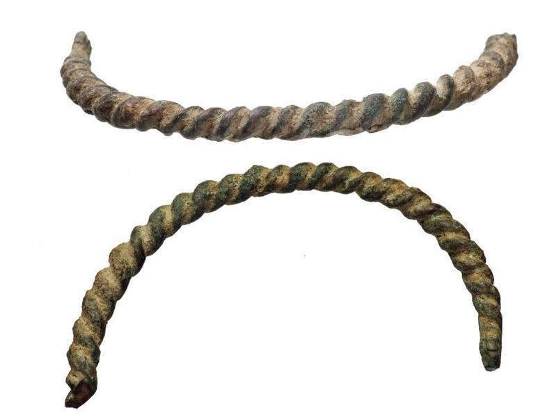 fibule à arc, (torsadé) (1)