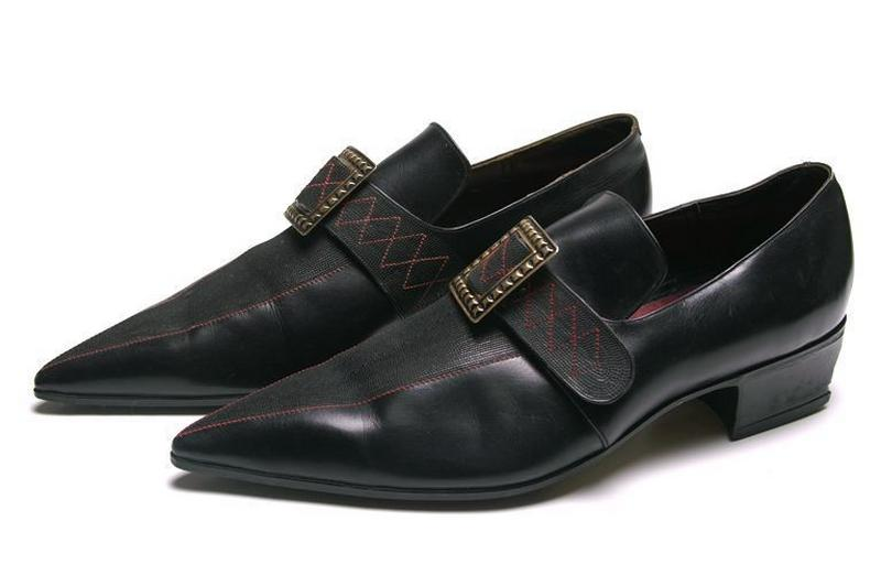 SELECT (exécutant) : Derby, chaussure d'homme