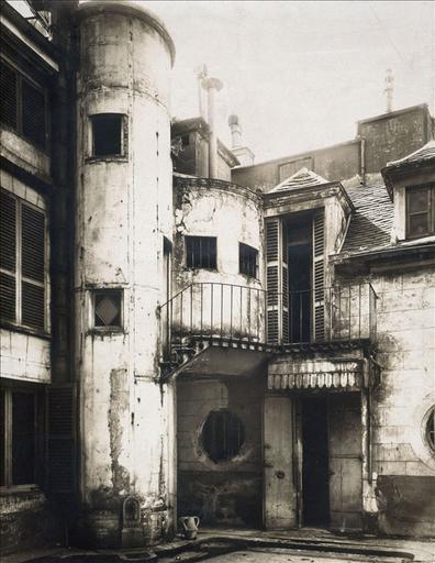Hôtel de la rue Fortunée : cour intérieure_0