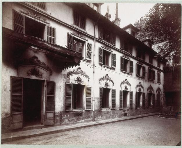 Hôtel de la rue Fortunée : façade sur cour