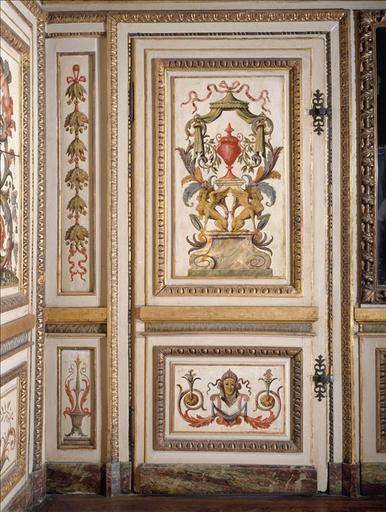 Panneau de lambris de hauteur à motif de chute de feuilles de chêne et de laurier, provenant du cabinet de l'hôtel Colbert de Villacerf