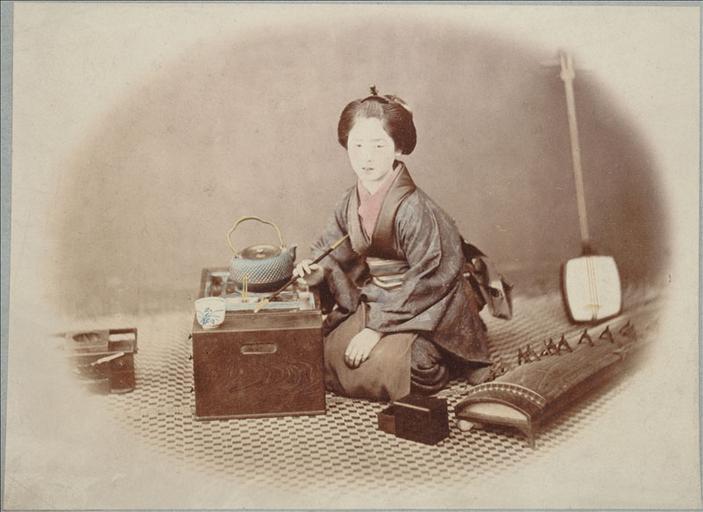 Photographies anciennes du Japon : une geisha, vers 1868 - 1870_0