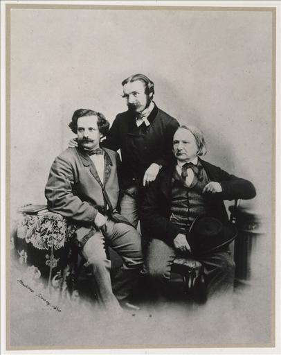 Victor Hugo et ses deux fils, Charles et François, vers 1860_0