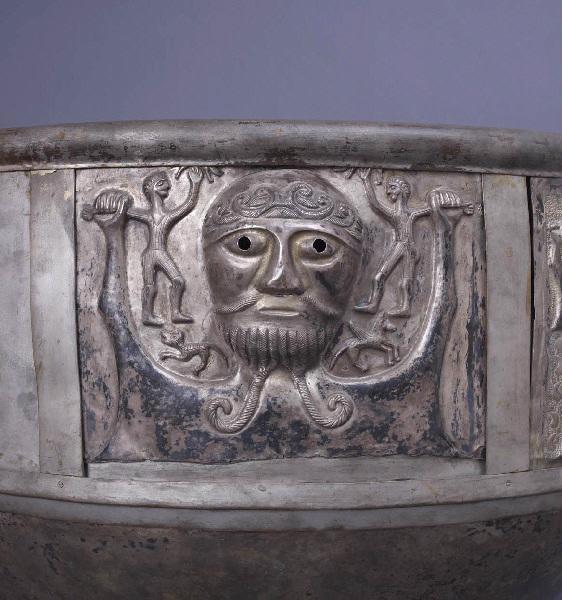 ATELIER DE MOULAGE DU MUSEE NATIONAL DU DANEMARK : Le chaudron de Gundestrup