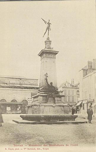 TROYES - Monument des Bienfaiteurs de l'Aube_0