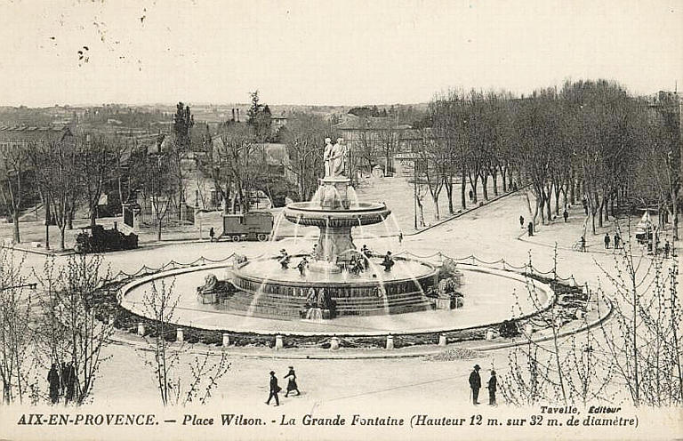 AIX-EN-PROVENCE. - Place Wilson. - La Grande Fontaine (Hauteur 12 m. sur 32 m. de diamètre)_0