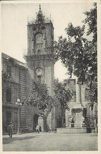 Aix-en-Provnce / Place de l'Hôtel de Ville et Tour de l'Horloge_0