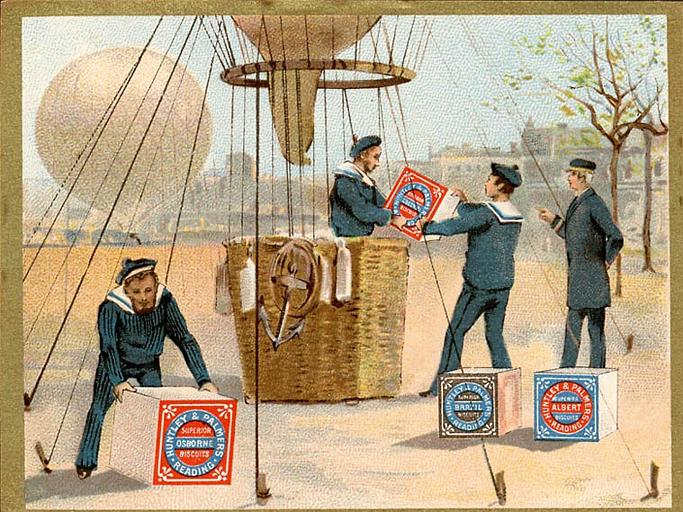 Trois marins chargent un ballon ; l'aéronaute regarde. (titre d'origine)
