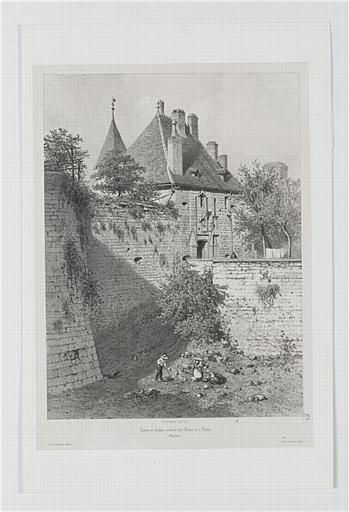 Restes du château construit par Louis XI, à Dijon (titre inscrit)
