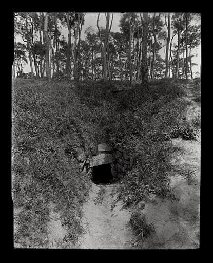 [Jiangsu]. Wou-si [Wuxi], tombeau d'un fils du roi de Wou [Wu] (Ve siècle avant J.-C.), cratère