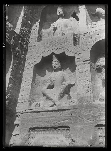 [Shanxi]. Yun-kang [Yungang], grotte n°12, partie occidentale de la paroi du fond