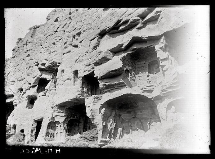 ZHOU : [Shanxi]. Yun-kang [Yungang], en bas à droite: grotte A