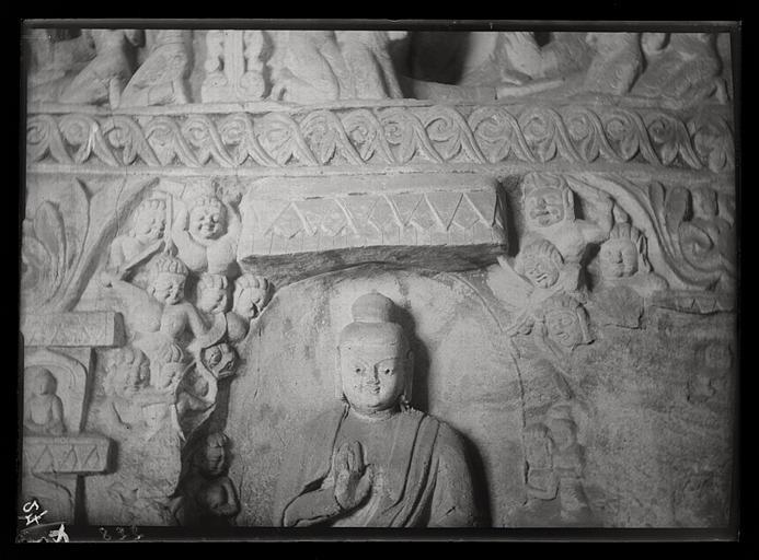 [Shanxi]. Yun-kang [Yungang], grotte n°4, bas de la paroi orientale