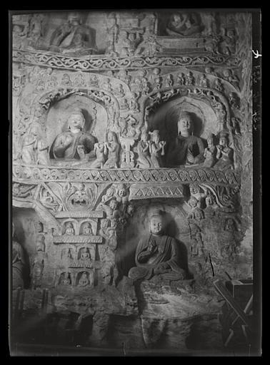 [Shanxi]. Yun-kang [Yungang], grotte n°4, paroi orientale