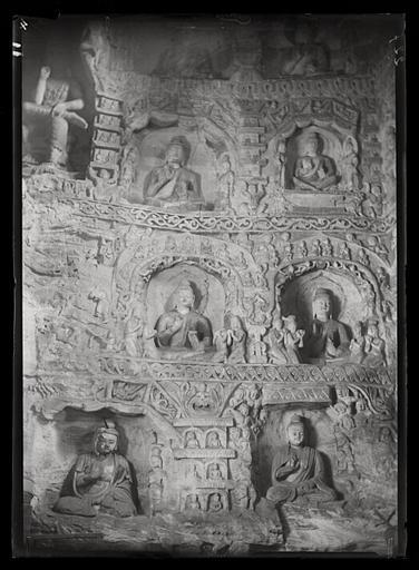 ZHOU : [Shanxi]. Yun-kang [Yungang], grotte n°4, paroi orientale