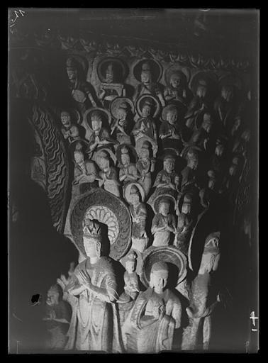 [Shanxi]. Yun-kang [Yungang], grotte n°2, paroi de l'est ou de l'ouest [cf. AP13171] à la hauteur du premier étage du pilier central