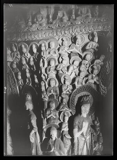 ZHOU : [Shanxi]. Yun-kang [Yungang], grotte n°2, paroi de l'est ou de l'ouest [cf. AP13172] à la hauteur du premier étage du pilier central