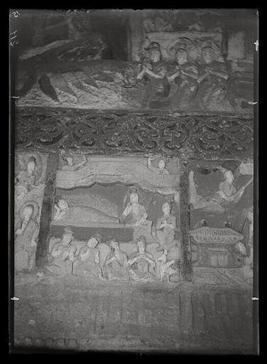 ZHOU : [Shanxi]. Yun-kang [Yungang], grotte n°2, le sommeil des femmes