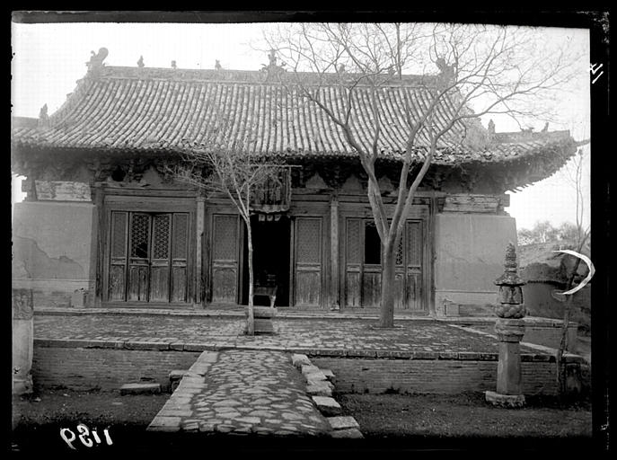 CHAVANNES Edouard : [Hebei]. Houai-ngan hien [Huai'anxian], temple Tchao-houa sseu [Zhaohuasi]