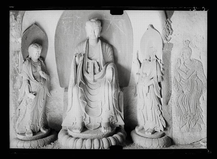 anonyme (photographe) : Shanxi. Tianlongshan, grotte B, paroi gauche, haut-relief et bas-relief bouddhiques