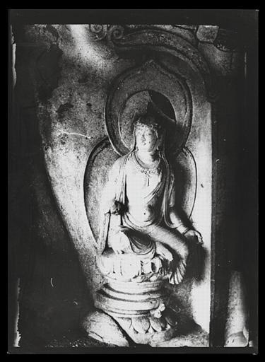 anonyme (photographe) : Shanxi. Tianlongshan, grotte phi, bodhisattva assis