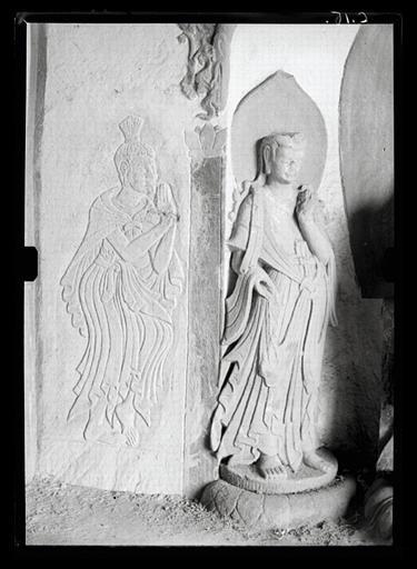 anonyme (photographe) : Shanxi. Tianlongshan, grotte B, paroi droite, haut-relief et bas-relief bouddhiques, détail