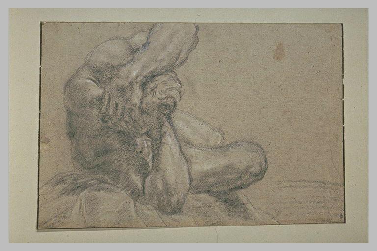 Homme nu, étendu, les deux mains derrière la tête, vu en raccourci
