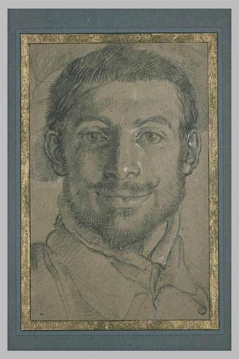 Portrait d'homme, moustachu et barbu, regardant le spectateur, et souriant