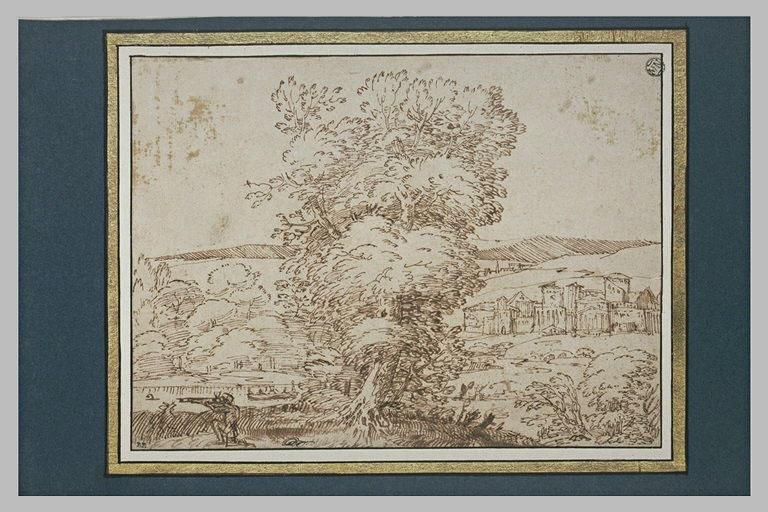 Dans un paysage boisé avec une ville au fond, un chasseur tirant des canards