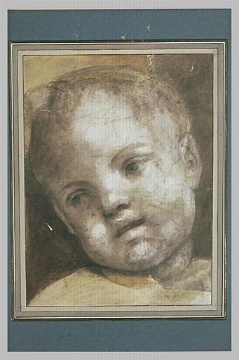 Une tête d'enfant inclinée vers la gauche