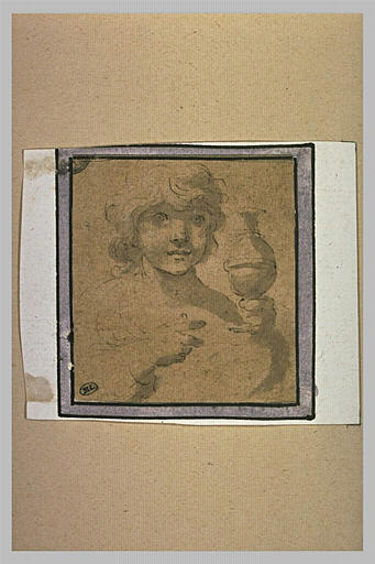 Enfant en buste tenant un vase