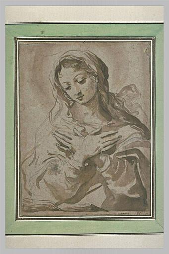 La Vierge vue à mi-corps, mains croisées sur la poitrine