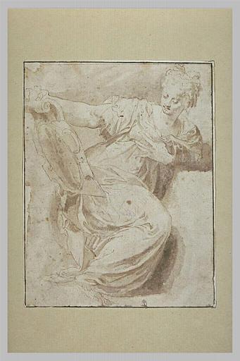 Femme assise, tournée vers la droite, se regardant dans un miroir