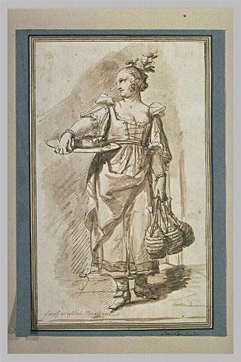Une vivandière, debout, regardant à gauche