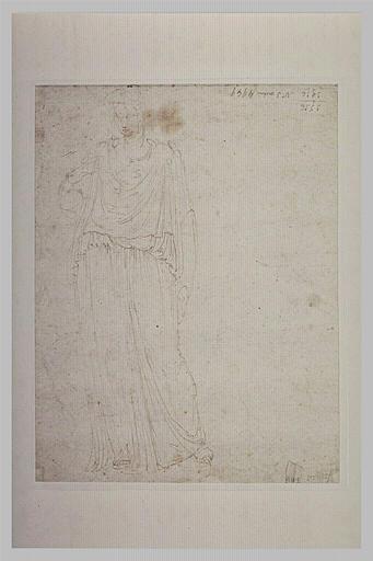 Une femme drapée, d'après l'antique, de face