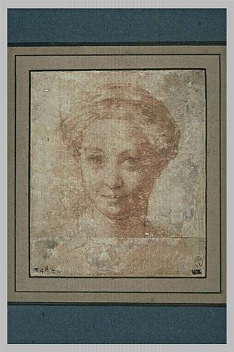 Tête de femme, vue de face