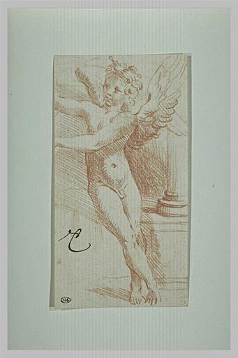 Un ange assis au pied d'une colonne, tendant les bras vers la gauche