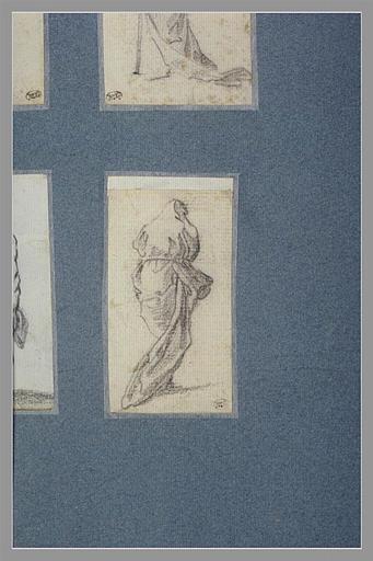 Une figure drapée, debout, vue de dos_0