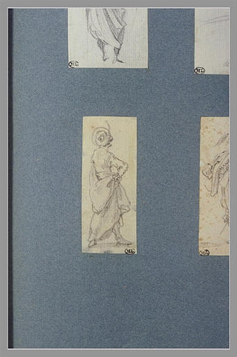 CALLOT Jacques : Une figure, debout, une main sur la hanche, vue de dos
