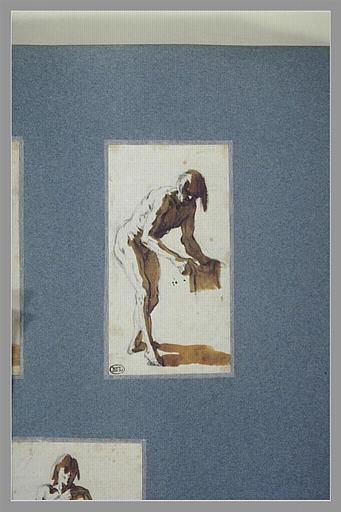 Un homme nu, tourné à droite, penché en avant