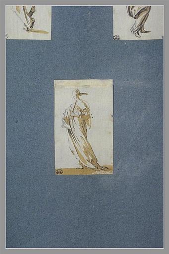 CALLOT Jacques : Une femme debout, tournée vers la gauche