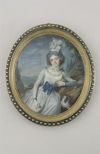 Jeune femme tenant un anneau