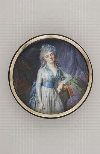 Jeune femme accoudée sur une méridienne